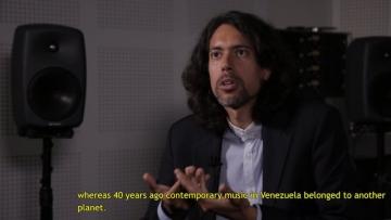 Mirtru Escalona-Mijares: Musique et politique